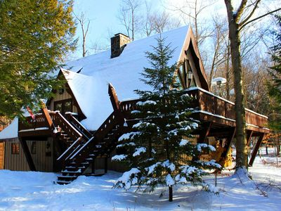 Photo for Top Rated Wooded Ski Chalet – 20 min to 3 Ski Resorts – Hot Tub – 2 Fireplaces