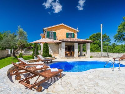 Photo for Delightful countryside villa near Porec