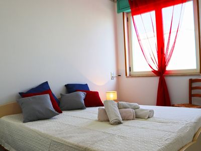 Photo for Centrally Located Holiday Apartment with Terrace and Air Conditioning; Pets Allowed