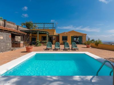Photo for Holiday cottage with private pool in Telde