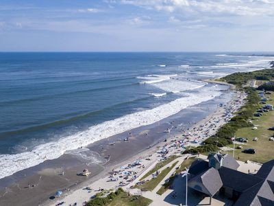 Photo for Walk to Beach! Newly renovated 6 Bed House, Sleeps 14, Central A/C, Large Deck!