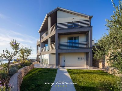 Photo for Attractive seafront villa overlooking Kvarner Bay