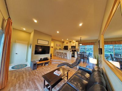 Photo for Family-friendly 3BR home on quiet vineyard near Stanford & Palo Alto