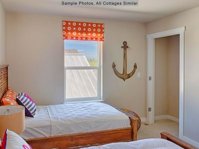 Photo for Room after Room Cottage at Oyhut Bay
