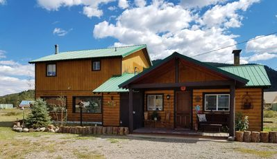 Photo for Cute and spacious, pet friendly cabin, with panoramic mountain views,