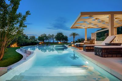 Utter seafront Villa Elvina - Tranquility in absolute blue
