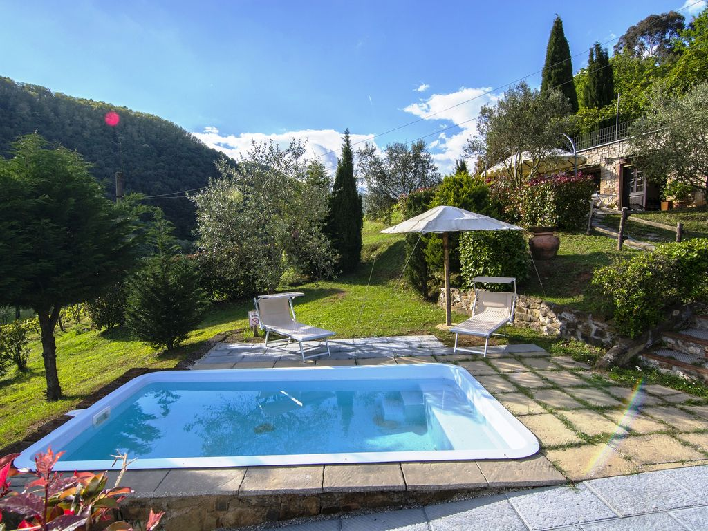 casa vinaria: rural villa in tuscany-lucca with pool only for