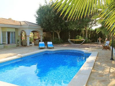 Photo for This 3-bedroom villa for up to 6 guests is located in Muchamiel and has a private swimming pool, air