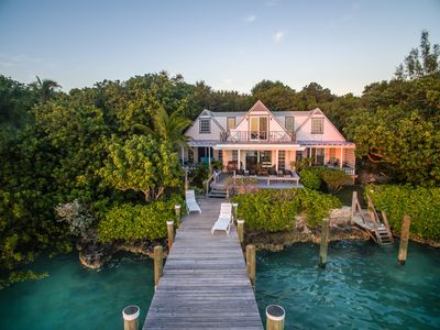 Bay Cottage Home with a Private Dock (1 free week golf cart included)