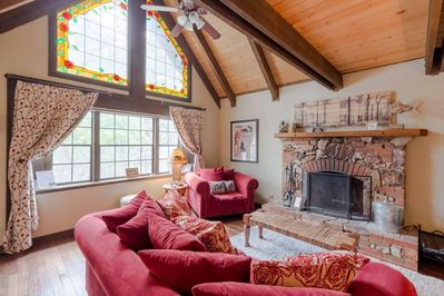 Great High Ceiling Living Room with Log Burning fireplace and Satellite TV