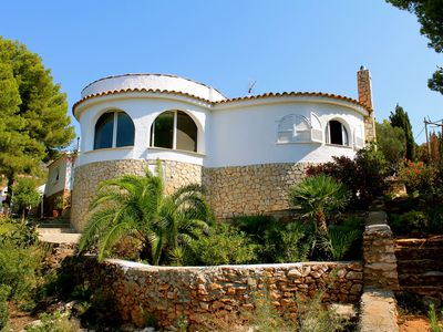 Photo for Holiday house with pool, outdoor kitchen and a large Mediterranean garden.