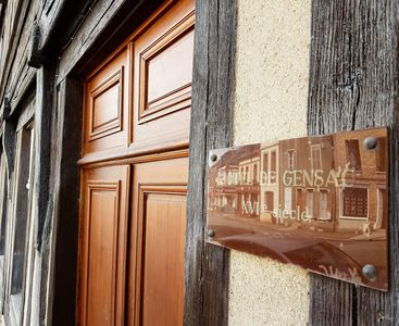 Photo for In the city center, apartment of character, with its 16th century stamp.