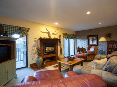 Homey Mountain Condo, Great for Entertaining-HT-Grills-Spacious Square Footage