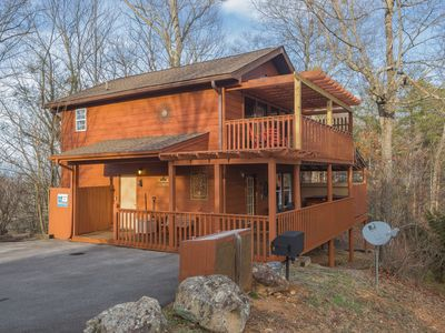 Photo for Mountain Views-Ultra Clean-King Beds-Hot Tub-WiFi-Pool Table-Pets OK-5* Reviews