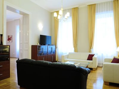 Photo for Bright, Elegant, 111 m2,  Central location, ideal for Tourists and Professionals