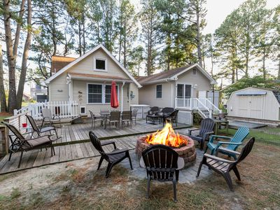 Slack Tide is a wonderful 3 Bedroom/2 Bath Pet-Friendly Vacation Home on Chincot