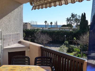 Photo for T2 apartment sea view 150 m from the beaches and the port, very quiet.