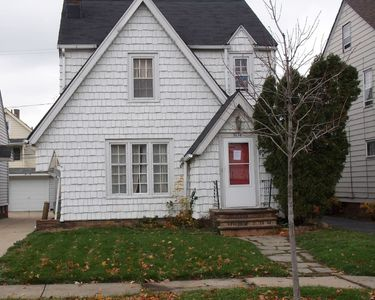 Photo for Charming 3-BR home in the heart of Shaker Hts. OH