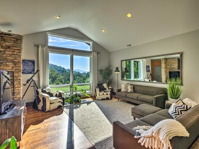 Photo for NEW! Luxury Lodge on 45 Acres 9 Mi to DT Asheville