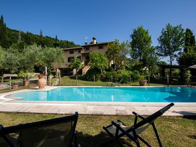 Photo for Elegant villa with private pool and tennis court, Wi-Fi access, air conditioning. Large enclosed gar