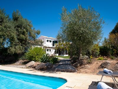 Photo for Spacious Villa with pool between Tavira and Cabanas, and near golf courses
