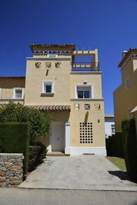 Photo for Beautiful 3-bedroom home located close to golf course and beaches in Denia.