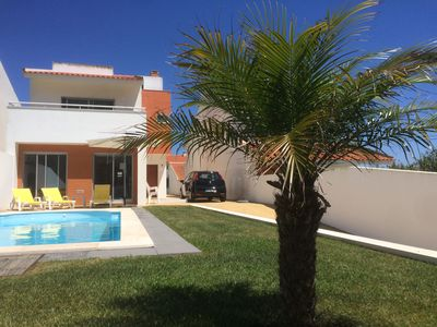 Photo for Beautiful villa for 8 people with private pool close to the beach
