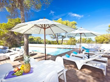 Search 1,186 holiday rentals
