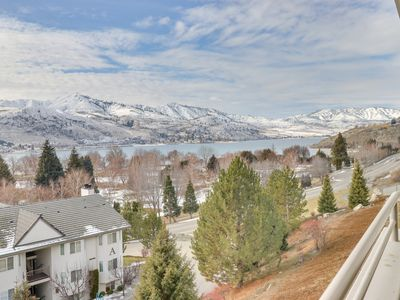 Photo for Lakeview condo across street from lake access w/ shared pool/hot tub!