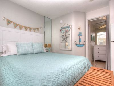 Sea Rocket 4 North Redington Beach NEWLY Decorated Ground Floor Efficiency