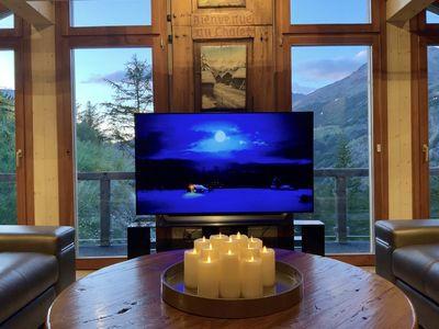 Romantic Ambiance With Amazing Views & LG OLED HD 65 TV!