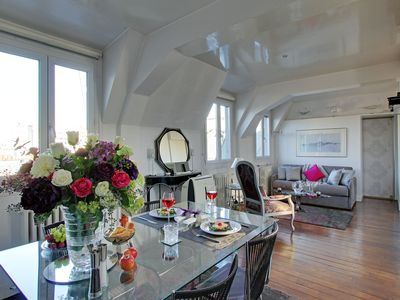 EIFFEL TOWER PENTHOUSE. Exceptional Style, Comfort, Amenities, Guest  Experience. Part 81