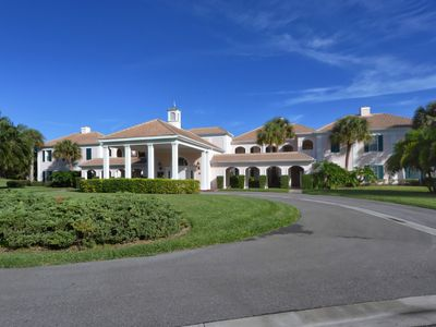 Photo for Luxurious, high quality renovated golf course rental with fabulous lake view.