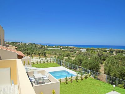 Photo for Yannis1 Private pool, Sea View, Next to amenities