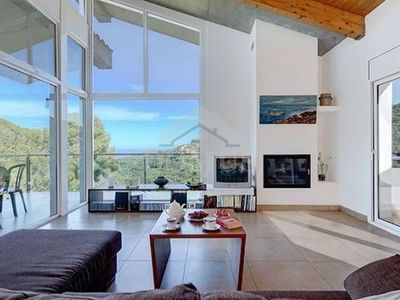 Photo for 4BR Villa Vacation Rental in Begur
