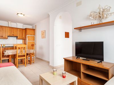 Photo for Charming Apartment in Great Location Near the Beach with Terrace; Pets Allowed