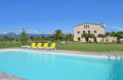 The swimming pool is 78m2 (6x13m) and from the pool you can enjoy the mountains