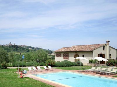 Photo for 5 bedroom Villa, sleeps 10 in Mattone with Pool, Air Con and WiFi