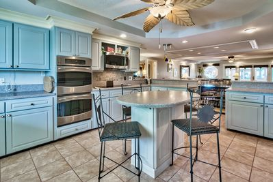 Main Level Gourmet Kitchen with lots of cooking Tools!