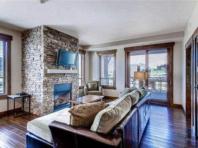 Photo for Bright, Beautiful Condo! Resort Style Amenities! Perfect for a Summer Vacation