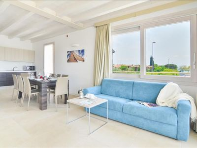 Photo for Luxury 2bdr apt with lake view