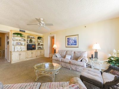 Photo for Warm, welcoming condo in Destin! Short stroll to beach! Outdoor pool + clubhouse on-site!