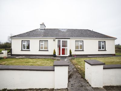 Photo for Detached Bungalow for 4/6