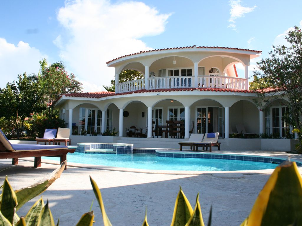 3 Bedroom Luxury Villa Cofresi Puerto Plata Rentals And Resorts