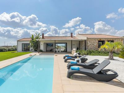 Photo for Villa with pool, views and comfort, near the coast.