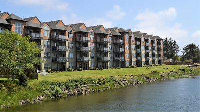 Photo for 2Bed/2Bath Upscale, River Front Condos. Close to Beach & Convention Ctr