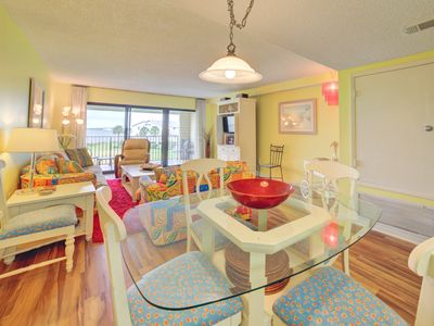 Photo for Cheerful Sound Front Townhome; Close to Great Dining. Nice 2 bd/2.5 bth