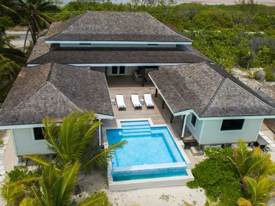 Lady Blue Sits On Beautiful Tar Bay Beach-Features Infinity pool/Outdoor Living