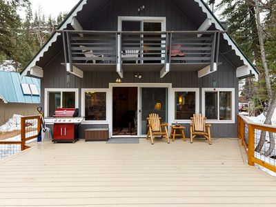 Photo for Waterfront cabin on Icicle Island w/ private hot tub - close to Leavenworth!