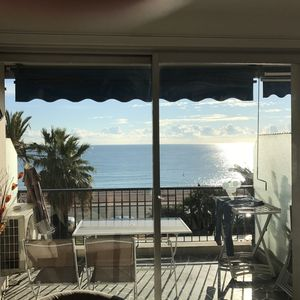 Photo for Stunning 2 bed waterfront apartment on Nice Promenade beside the Radisson Hotel